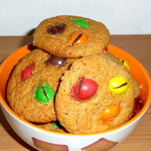 cookies au beurre de cacahuètes et m&m's