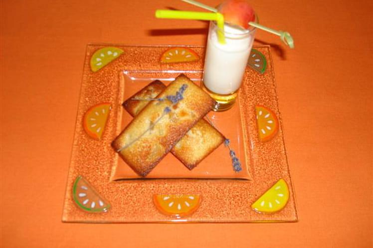 Financiers au melon confit, miel de lavande et milk-shake au sirop abricot-calisson