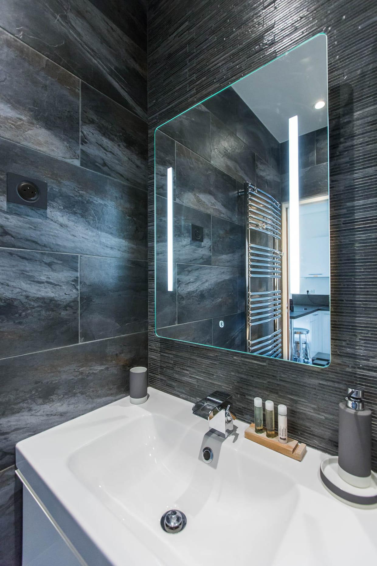un carrelage en gr s c rame. Black Bedroom Furniture Sets. Home Design Ideas