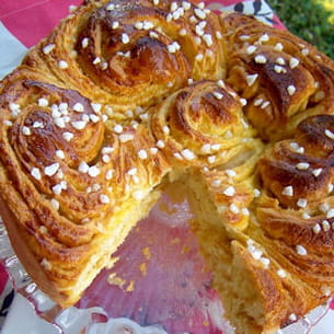 brioche moelleuse au caramel au beurre salé et à la vanille