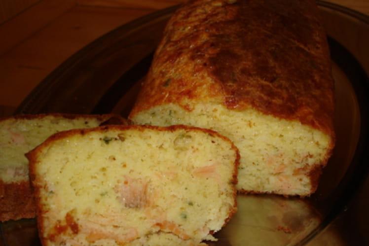 Cake au saumon fumé et ciboulette