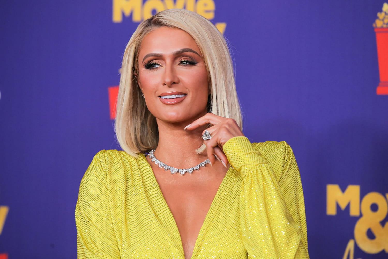 """Paris Hilton se la joue """"cheffe cuisto"""" pour Netflix"""