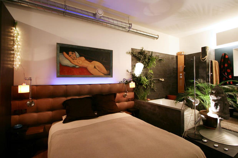 au milieu de la jungle une salle de bains. Black Bedroom Furniture Sets. Home Design Ideas