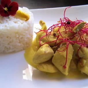 poulet à la cardamone et main de bouddha