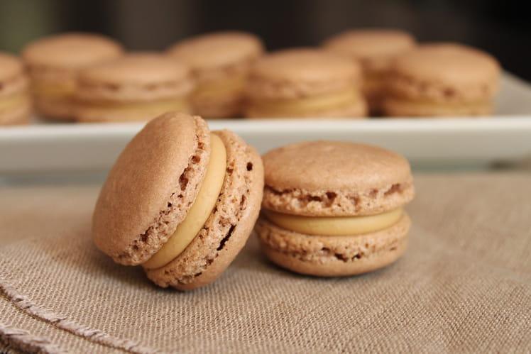 Macarons au café, chocolat blanc et miel d'acacia