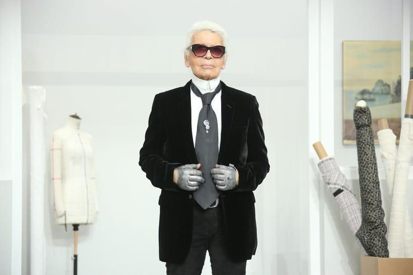 929f3b23f84f Karl Lagerfeld   chez Chanel Virginie Viard succède au créateur iconique