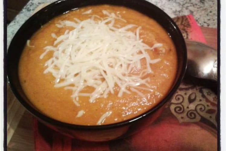 Velouté de carottes et panais au cabillaud, zeste d'orange et touche de fenouil, épicé au curcuma