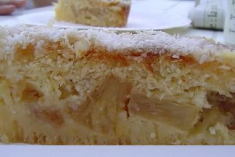 Gâteau d'ananas, coco et caramel