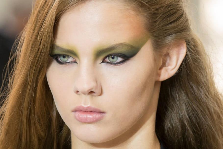 Le maquillage tribal du défilé Louis Vuitton