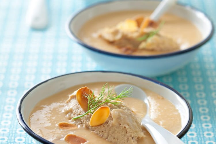 Soupe glacée de fenouil aux rillettes de thon