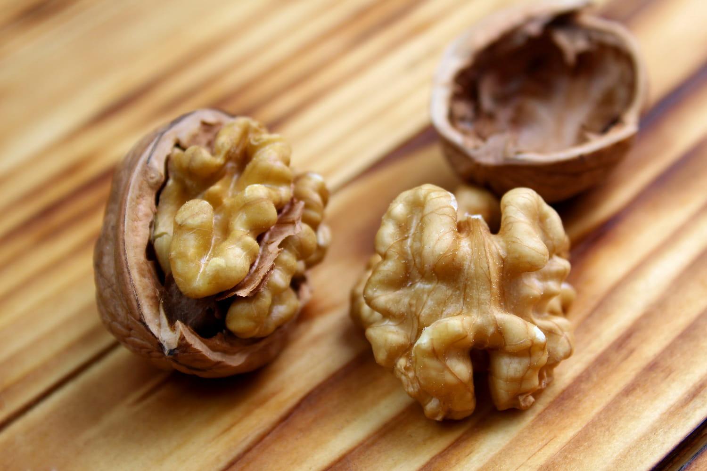Comment reconnaître des noix fraîches?