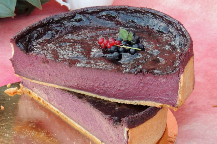 Flan pâtissier myrtille, cassis et framboise