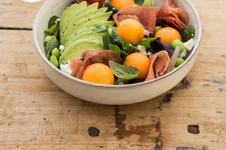 Salade de melon, feta, avocat, edamame et Jambon cru Aoste