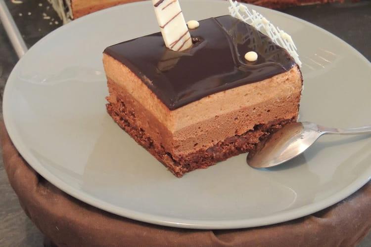 Entremets chocolat praliné, croustillant feuilletine