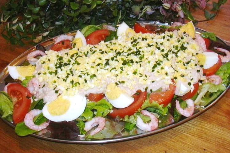 Salade aux crevettes sauce au thon