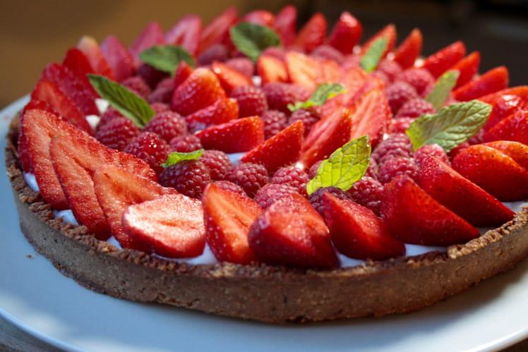 Tarte chantilly coco, fraises et framboises sans gluten et sans lactose