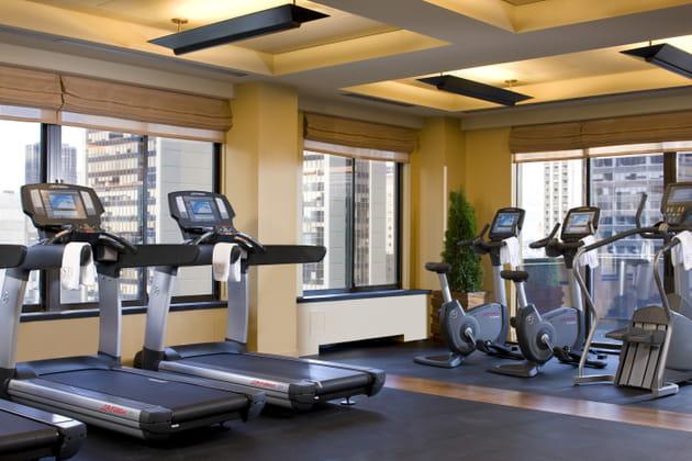 Le centre de Fitness avec vue imprenable sur le centre de Manhattan