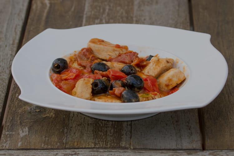 Sauté de dinde aux deux tomates et aux olives