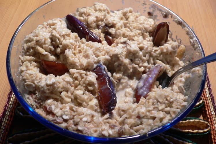 Porridge aux dattes