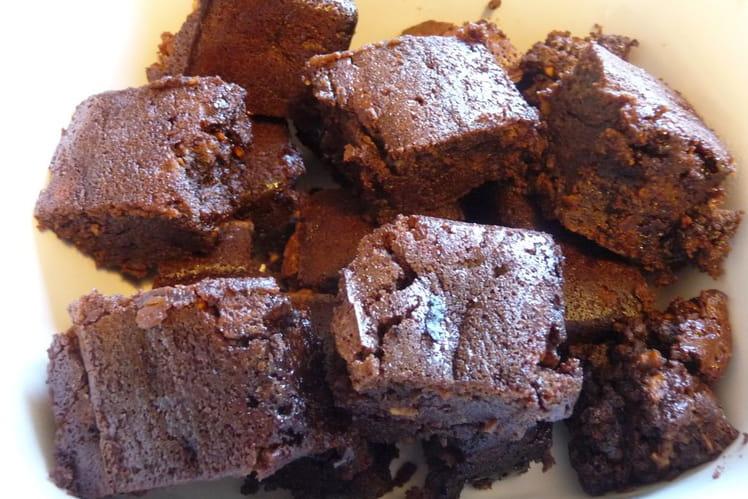 Gâteau fondant chocolat et pépites de nougatine