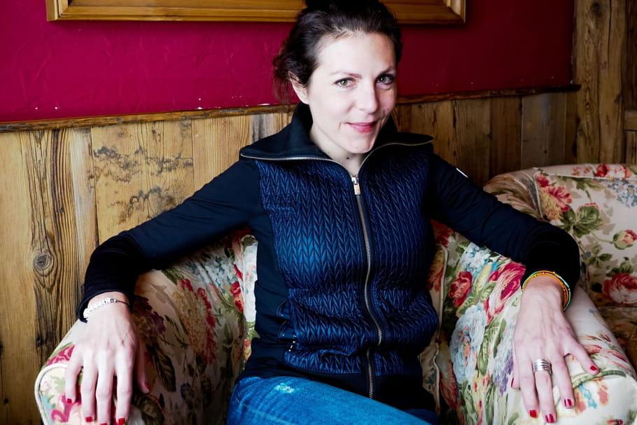 Qui est Anne-Elisabeth Blateau [Scènes de Ménages], poursuivie pour violences et outrages