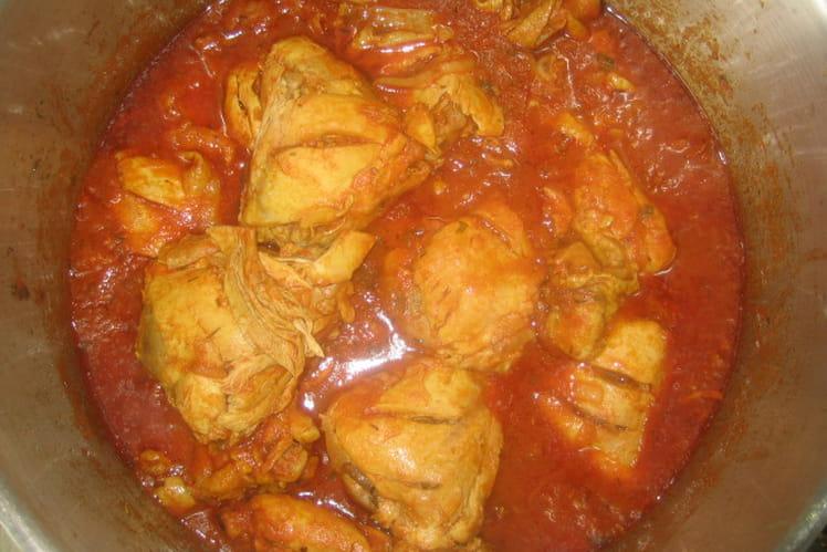 Poulet au curry à la tomate