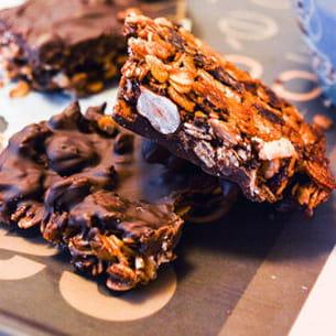 barres de céréales noisettes et chocolat noir