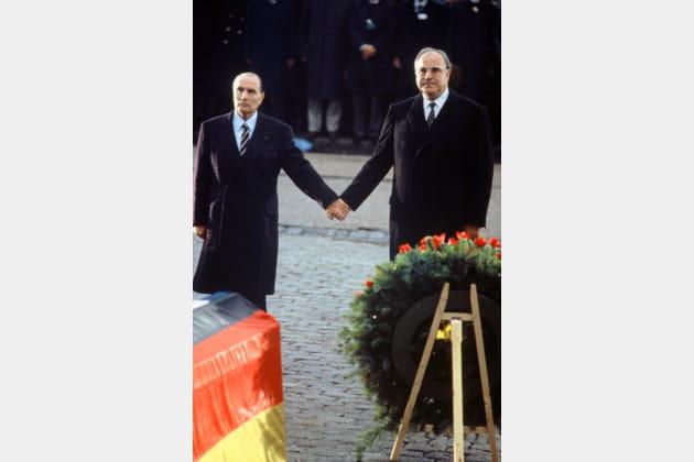 Avec Helmut Kohl a Verdun, le 21septembre 1984