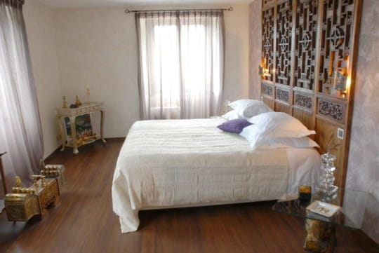 la chambre inde. Black Bedroom Furniture Sets. Home Design Ideas