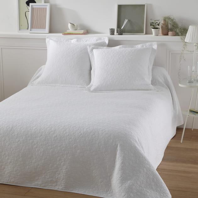 couvre lit lulu par tradition des vosges. Black Bedroom Furniture Sets. Home Design Ideas