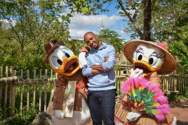 Le rappeur Soprano et le couple Donald et Daisy Duck