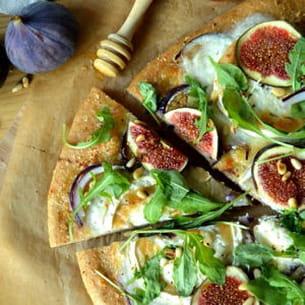 pizza aux figues et au chèvre à la farine complète
