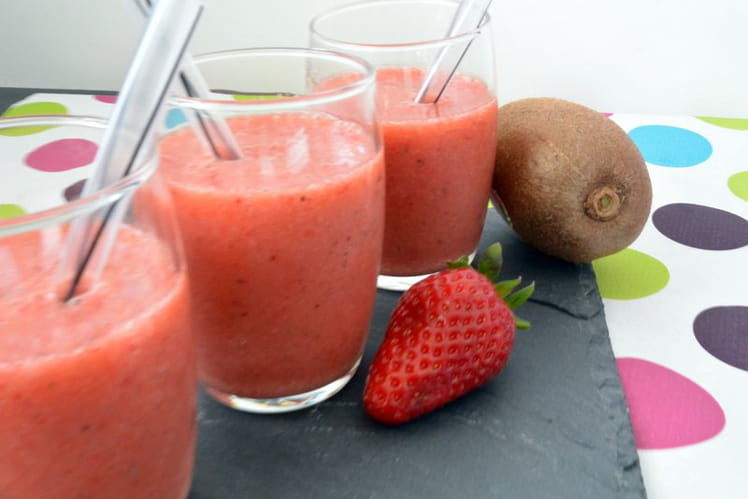 Smoothie vitaminé fraise kiwi