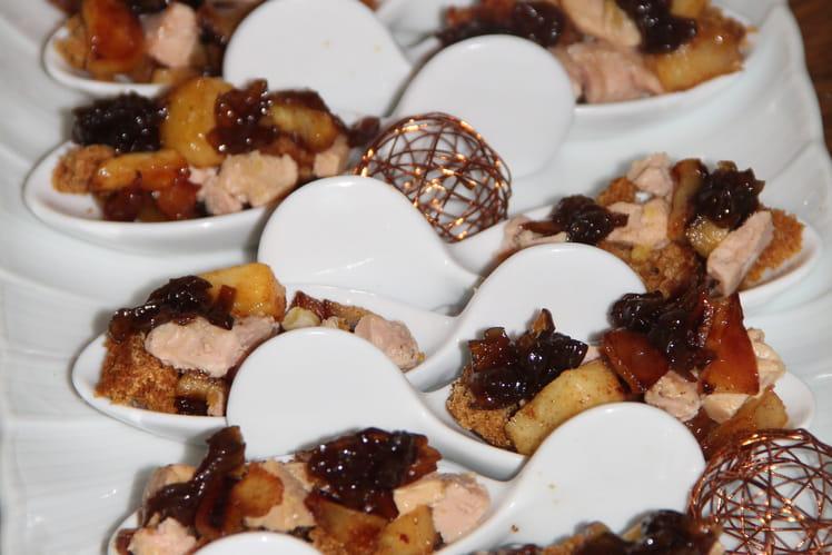 Cuillères apéritives pommes du limousin, foie gras, pain d'épices, confit d'oignons