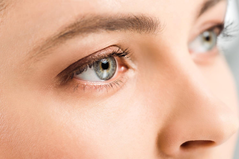 Corps étranger dans l'œil: symptômes, comment l'enlever?