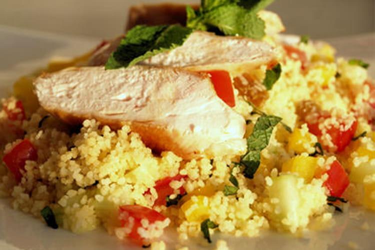 Taboulé au poulet, concombre et menthe fraîche