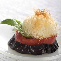 millefeuille d'aubergine confite, petite mozzarella croquante