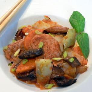 porc au curry rouge, chou, cèpes, patate douce