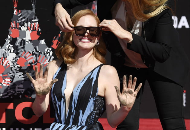 Jessica Chastain, haut les mains !