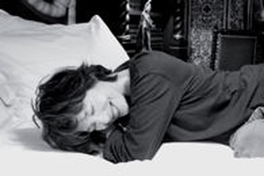 Expo photo: des célébrités posent dans leur lit!