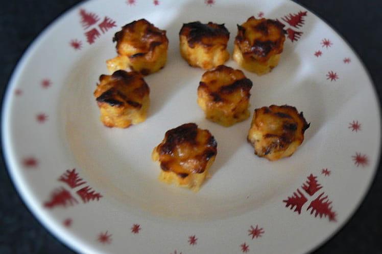 Mini cannelés chèvre-miel, tomates séchées