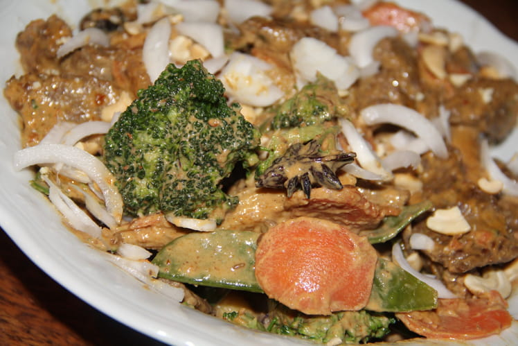 Boeuf et légumes au curry rendang