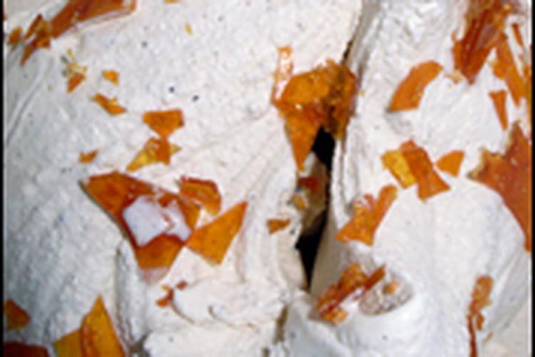 Glace vanille maison aux éclats de caramel