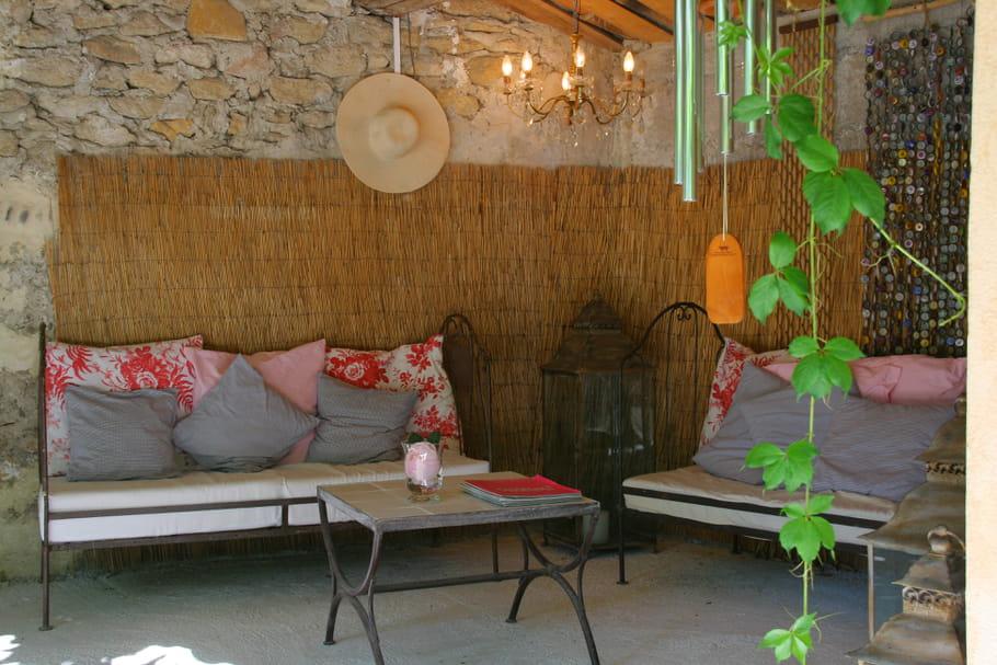 salon de jardin d 39 ailleurs. Black Bedroom Furniture Sets. Home Design Ideas