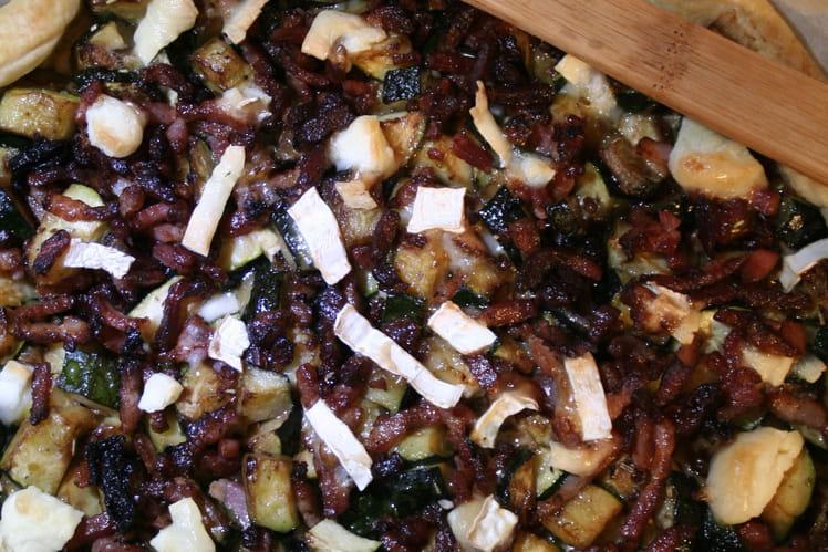Tarte courgettes, chèvre et lardons grillés