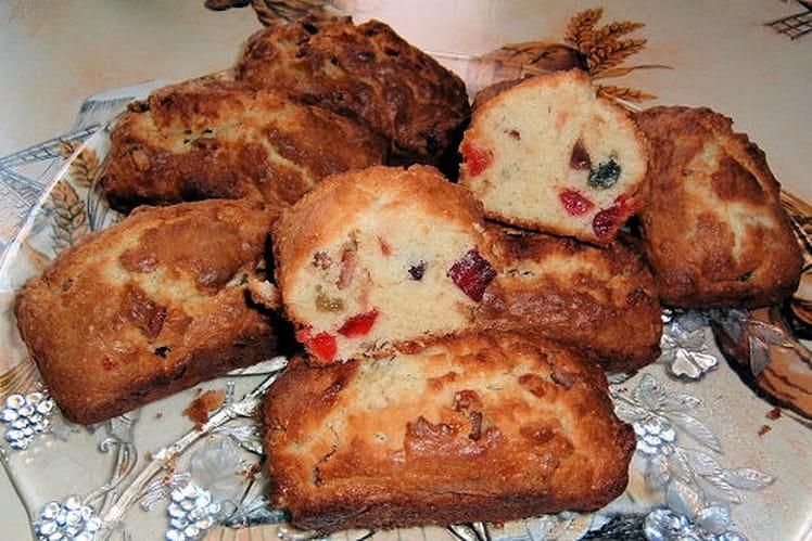 Mini cakes aux fruits confits