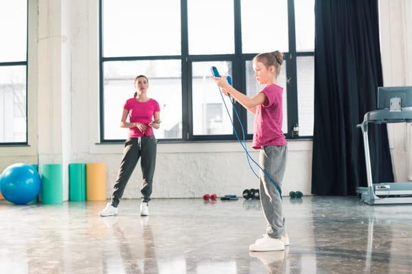 corde-a-sauter-exercices-gym-parent-enfant
