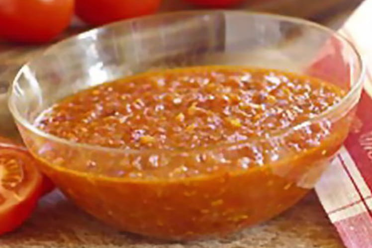 Sauce à la tomate et aux lardons