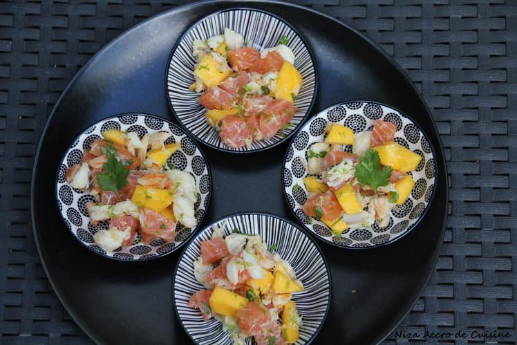 Amuses-bouches au saumon à la ficelle, crabe et mangue