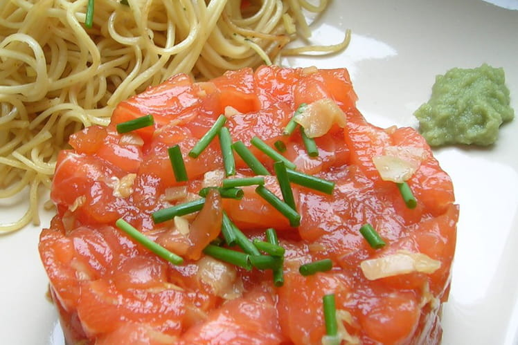 Tartare de saumon comme un sashimi